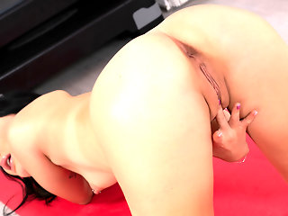 high heels brunette masturbation