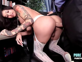 blowjob (shemale), bareback (shemale), guy fucks shemale (shemale), latin (shemale), lingerie (shemale), stockings (shemale)